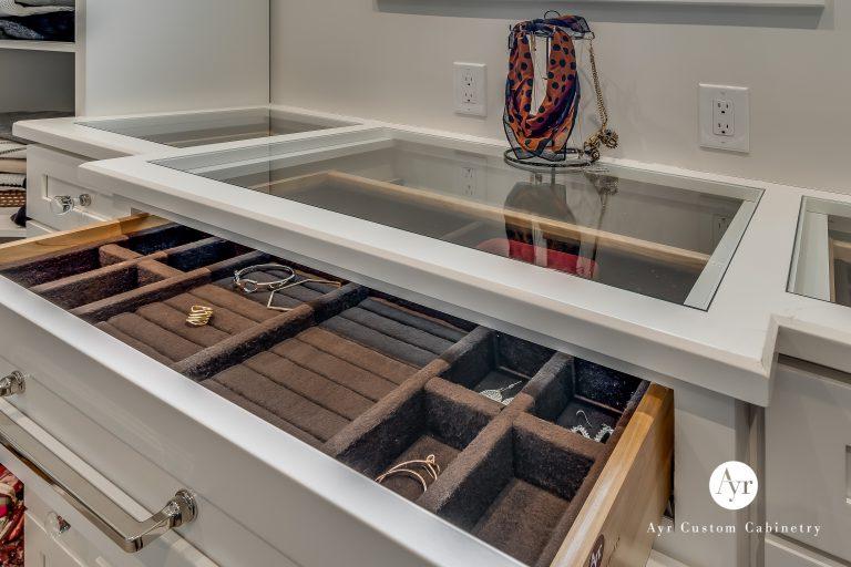 custom bedroom & closet cabinet photos 9